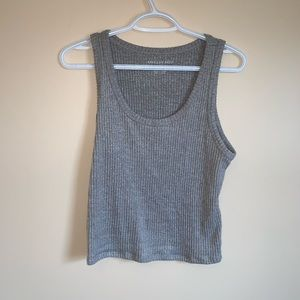 ✨ AEO cropped tank top